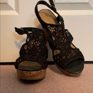 BRAND NEW Payless American Eagle wedges